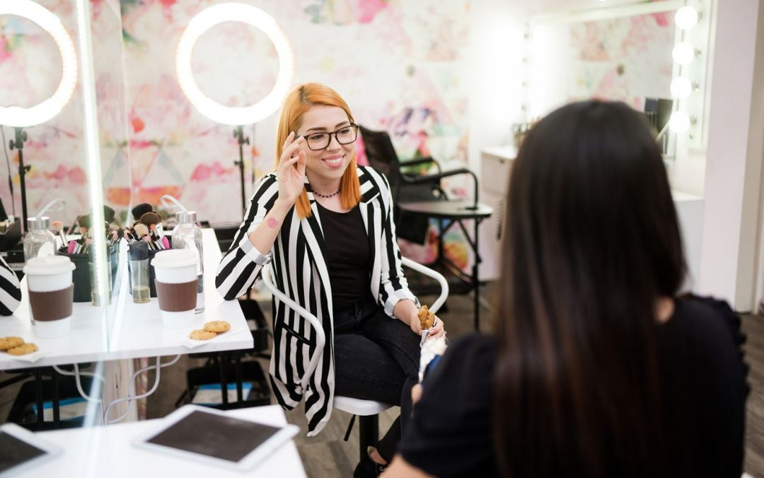 How to Build Your Business as an Eyelash Expert
