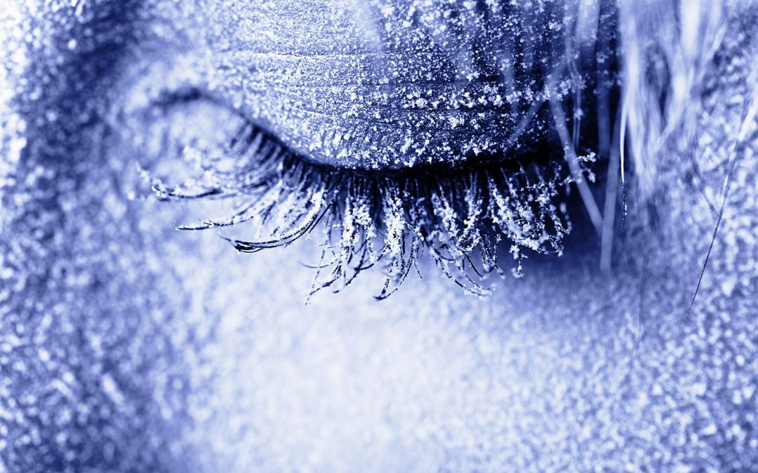 How Lash Extensions React in Different Weather, and How to Care for Them